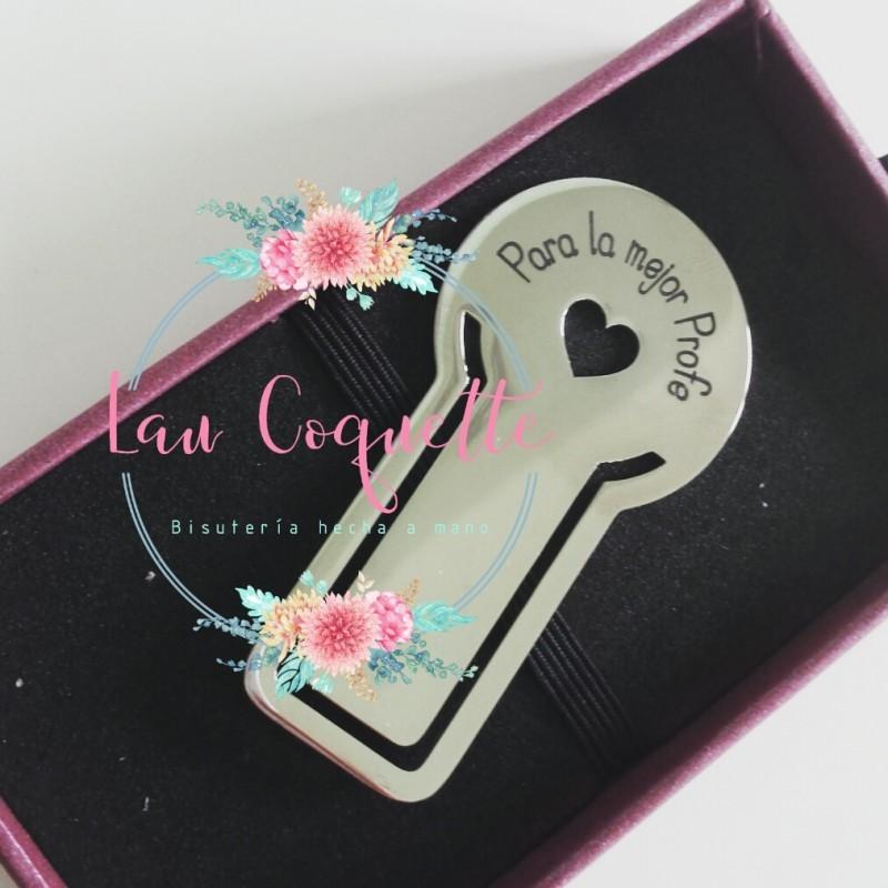 01b44aa9c513 colgante grabado a mano placa grabada zamak baño de plata collar